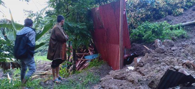 Koto Sani Berduka, 3 Rumah di Ujuang Ladang Tertimbun Longsor