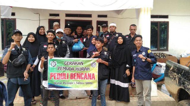 Pemuda Salayo dan GPH Serahkan Bantuan ke Lubuk Ulang Aling
