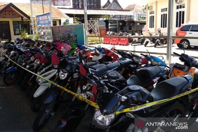 Polres Padang Kota Amankan 55 Unit Motor Curian