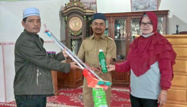 MTsS Bukit Sileh dan KUA Lembang Jaya Gelar Thaharah di Masjid Taratak Baru