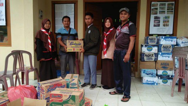 OSIM dan Pramuka MAN 3 Solok Serahkan Bantuan Untuk Korban Bencana di Solok Selatan