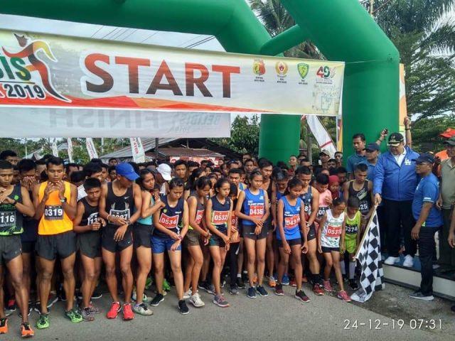 Dilepas Walikota Solok, Ribuan Peserta Ikuti Belibis Run 10K