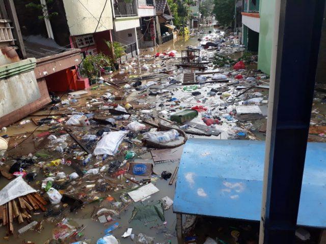 Banjir di Jakarta Belum Surut, Pengungsi Mulai Alami Gatal-Gatal