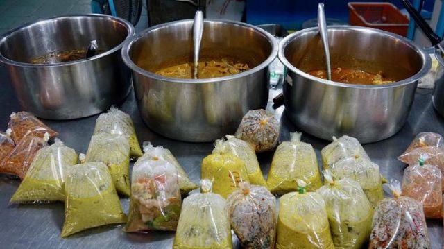 Bungkus Makanan Panas Dengan Plastik, Bisa Picu Kanker Payudara