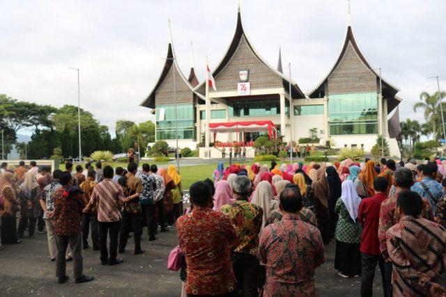 Wako Pimpin Apel Perdana di Balaikota Bukittinggi