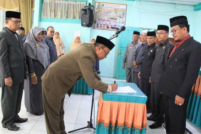 H. Alizar Lantik Kepala MTsN di Kabupaten dan Kota Solok