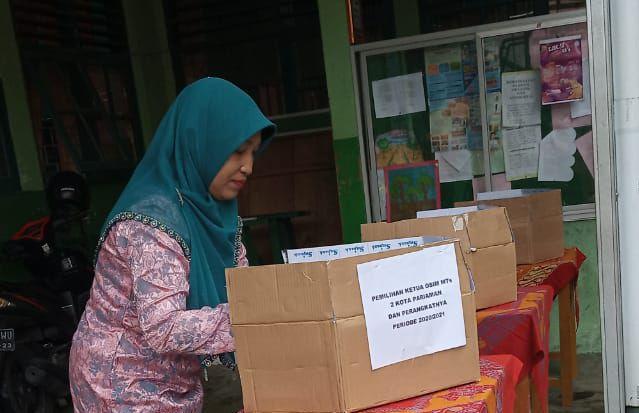 Pengenalan Demokrasi pada Pemilihan Ketua OSIM MTsN 2 Kota Pariaman