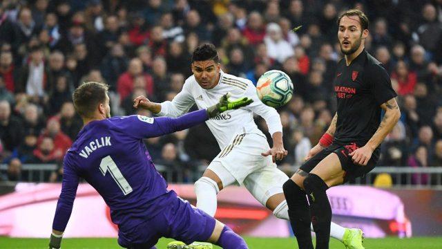 Tekuk Sevilla 2-1, Real Madrid Geser Barcelona di Puncak Klasemen