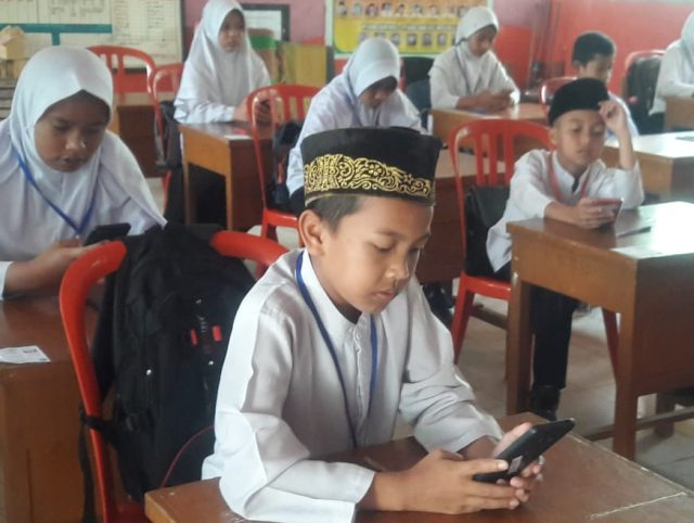 MIN 1 Solok Gelar Try Out Berbasis Android