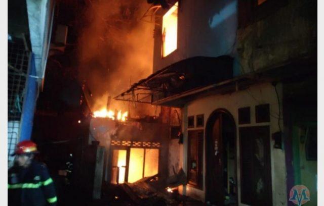 Pasar Raya Padang Terbakar, Los Baro Dimamah Api
