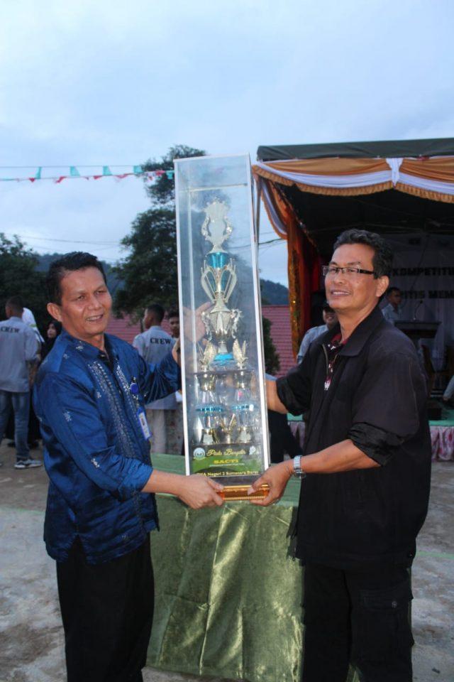 SMPN 5 Batusangkar Juara Umum SACTI se-Sumbar dan Jambi