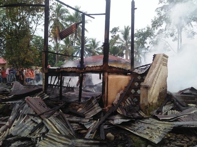 Rumah Gadang di Salayo Terbakar, Kerugian 200 Juta
