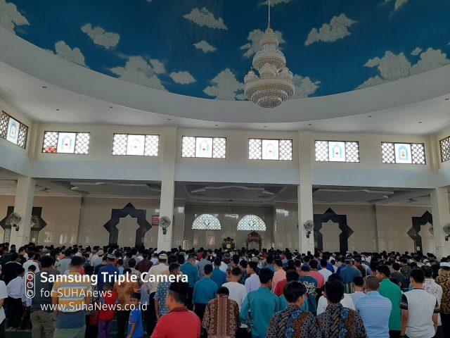 Shalat Jumat di Islamic Center Koto Baru Tetap Ramai Jamaah