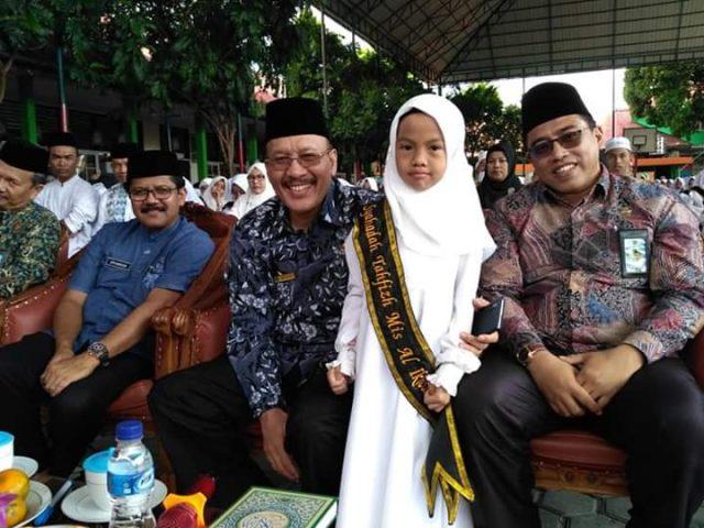 Kakanwil Kemenag Sumbar Hadiri Syahadah Tahfizh di Bukittinggi