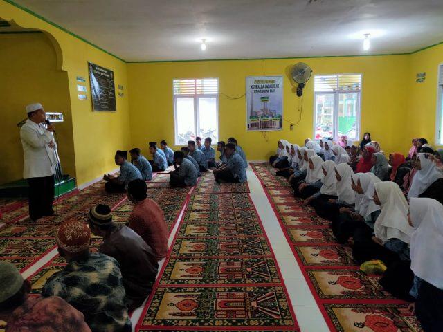 Jelang UN, MTsN 7 Solok Ajak Siswa Muhasabah & Bershalawat