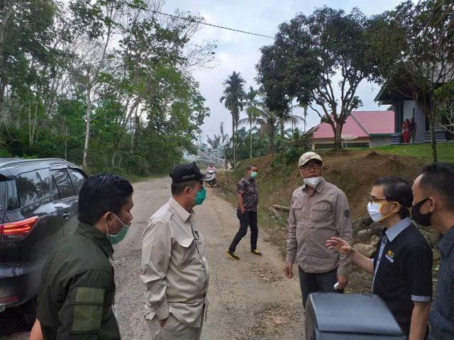 Rusak Parah Plt Bupati Solsel Ajak Wagub Tinjau jalan Provinsi Di Sangir