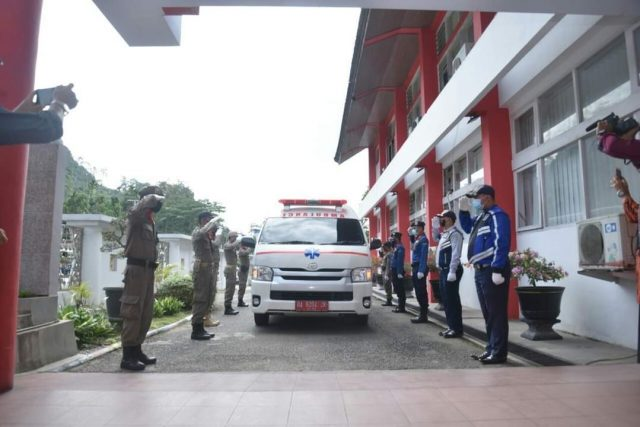 Kota Arang Berduka, Mantan Walikota Sawahlunto Ali Yusuf Dimakamkan di Talawi