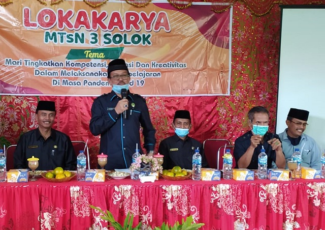 Tingkatkan Kompetensi Guru, MTsN 3 Solok Gelar Lokakarya